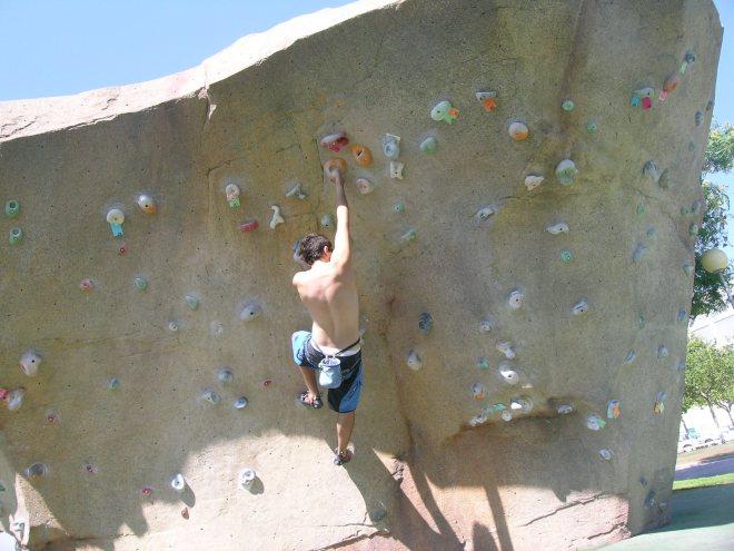 Nao curto escalar sem camisa, mas com esse calor...