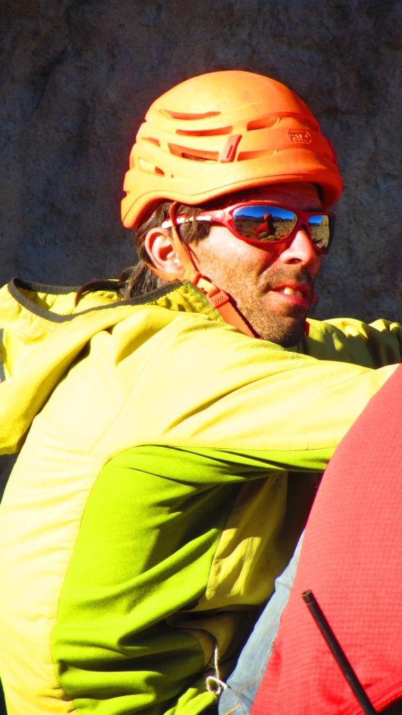 Dani Andrada meio adverso ao uso de casco...