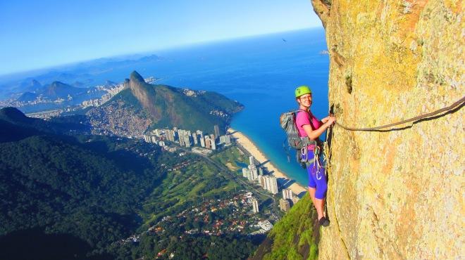 """Anaí Climbs one of Rio de Janeiro Classics: """"The passage of the eyes"""" at the Pedra da Gávea, Rio de Janeiro"""
