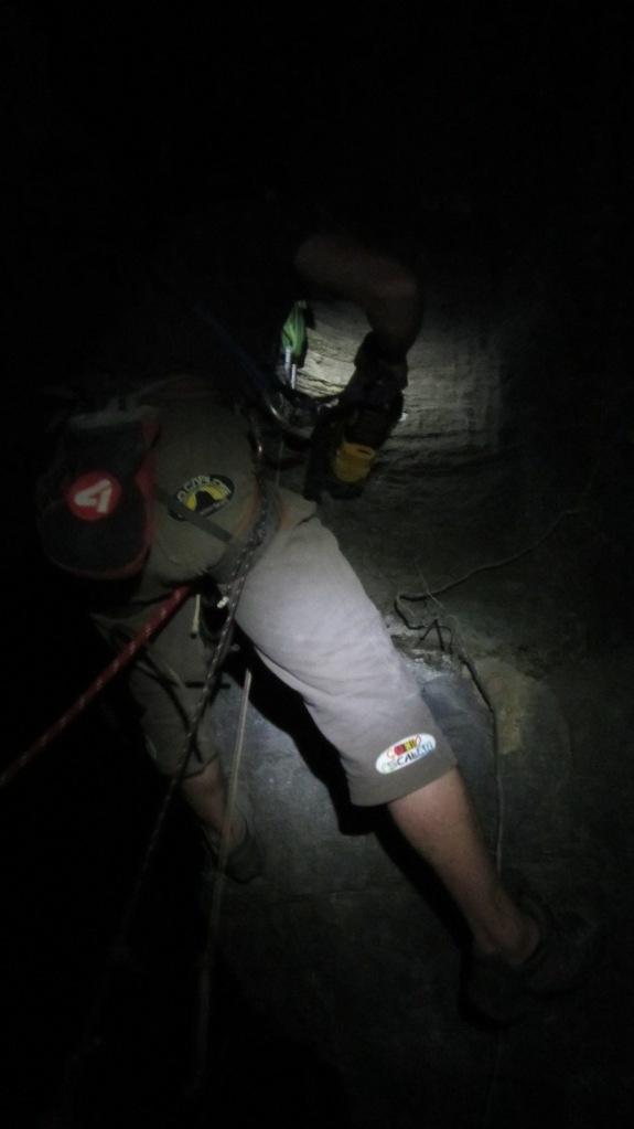Beto terminando uma das conquistas noturnas