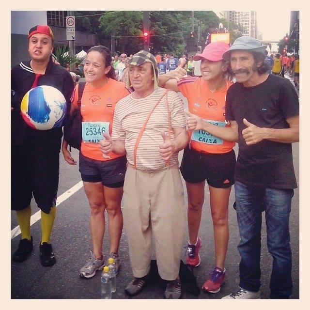 Turma do Chaves na Corrida de São Silvestre (2013) em São Paulo. Vale mencionar que o Batman, o Super-homem e até o Flash participaram, mas todos eles perderam para o Quenyano.
