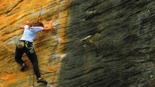 Bia e os contrastes das rochas do Cipó
