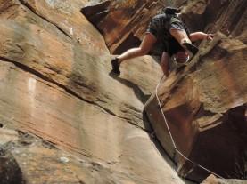 Um dos descobridores do Pico, Eduardo Ferrareze, pulando a costura do Crux, malandrão!