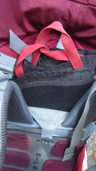 Que eu malandramente adaptei para carregar minha loninha que normalmente é a primeira coisa que eu tiro e última coisa que eu guardo na mochila.